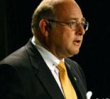 رونالد شوقر ينضم إلى مجلس إدارة شركة أبل