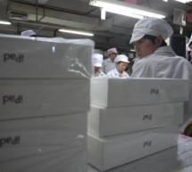 فيديو من خط إنتاج الآيباد و لقاءات مع عمال فوكسكون