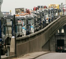 سامسونج لم تدفع مليار دولار تعويض لـ أبل بعملات فئة 5 سنت على متن 30 شاحنة