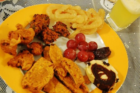 800px-Common_Iftar_Dish