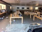apple-store-car-crash-5